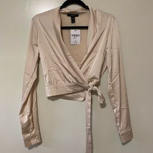 FOREVER 21 SATIN CROP WRAP LONG SLEEVE